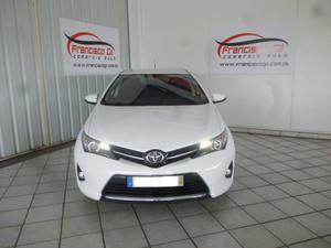 Toyota Auris 1.4 D-4D EXCLUSIVE(5P)