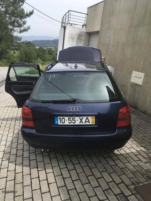 Audi A4 A4 avant Junho/97 - à venda - Ligeiros Passageiros,