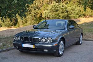 Jaguar XJR Supercharged Outubro/03 - à venda - Ligeiros