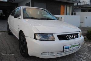Audi A3 1.9 TDI 110 CV Janeiro/99 - à venda - Ligeiros