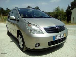 Toyota Verso corola versos  Julho/03 - à venda -