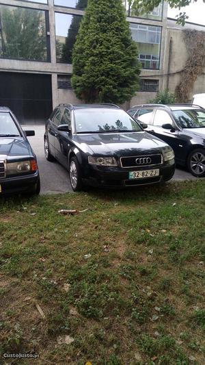 Audi A4 Audi A4 TDI 130 cv Novembro/01 - à venda - Ligeiros