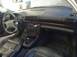 Audi A4 1.6 gasolina Abril/96 - à venda - Ligeiros