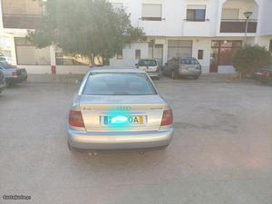 Audi A4 1.9 Tdi Novembro/97 - à venda - Ligeiros