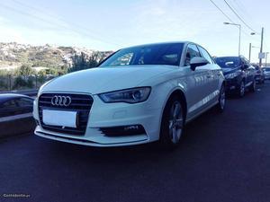 Audi A3 Sport limousine Julho/14 - à venda - Ligeiros
