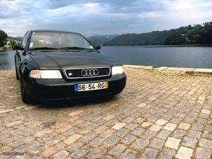 Audi A4 95 Julho/95 - à venda - Ligeiros Passageiros, Porto