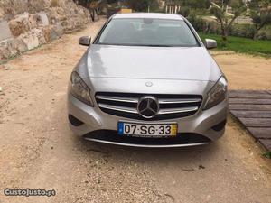 Mercedes-Benz A 200 CDI Style Outubro/13 - à venda -