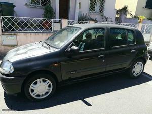 Renault Clio RXE Agosto/99 - à venda - Ligeiros
