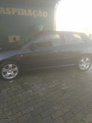 Audi A3 1.8 turbo Julho/97 - à venda - Ligeiros