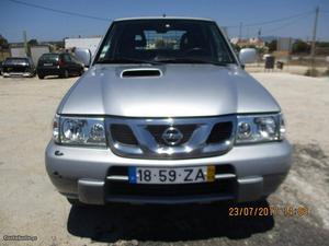 Nissan Terrano 3.0 DI turbodiesel Setembro/04 - à venda -