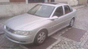 Opel Vectra 2.2dti centenário Janeiro/01 - à venda -