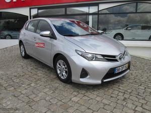 Toyota Auris 1.4 D-4-D ACTIVE Abril/14 - à venda - Ligeiros