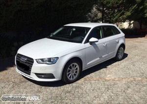 Audi A3 1.6 Maio/14 - à venda - Ligeiros Passageiros, Porto