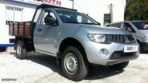 Mitsubishi L DID 4X4 Maio/06 - à venda - Pick-up/