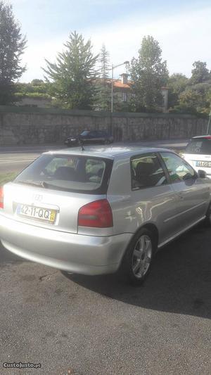 Audi A3 Agosto/97 - à venda - Ligeiros Passageiros, Porto -