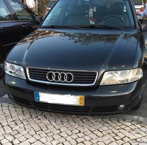 Audi A4 A4 Abril/99 - à venda - Ligeiros Passageiros, Viseu