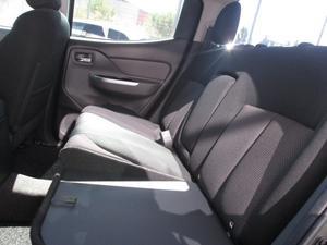 Mitsubishi Outlander l  di d cd space cab 3l 4wd