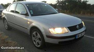 VW Passat passat Maio/97 - à venda - Ligeiros Passageiros,