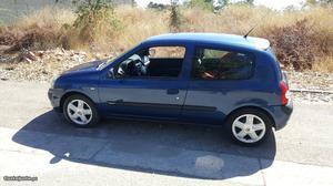 Renault Clio v Dynamique Fevereiro/02 - à venda -