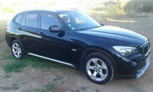 BMW X1 SDrive 18d Dezembro/10 - à venda - Monovolume / SUV,
