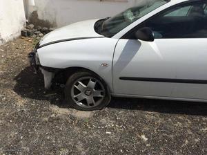 Seat Ibiza IV 6L1 1.4 TDI 75CV Abril/05 - à venda -