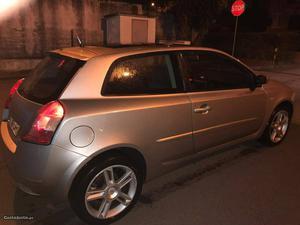 Fiat Stilo stilo Fevereiro/03 - à venda - Ligeiros