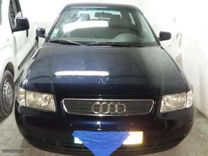 Audi A3 3 portas Dezembro/98 - à venda - Ligeiros