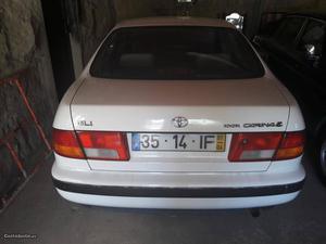 Toyota Carina Carina Março/97 - à venda - Ligeiros
