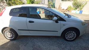Fiat Grande Punto 1.3 MultiJet Van Novembro/11 - à venda -