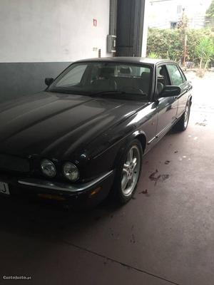 Jaguar XJR supercharged V8 Julho/97 - à venda - Ligeiros
