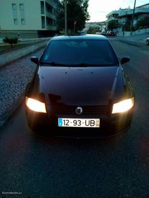 Fiat Stilo Stilo Fevereiro/02 - à venda - Ligeiros
