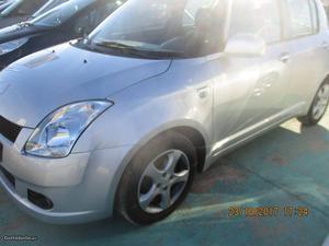 Suzuki Swift 1.4 did diesel 5 lug Setembro/06 - à venda -