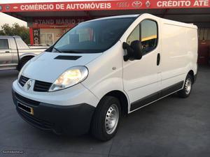 Renault Trafic L1H1 Dezembro/11 - à venda - Comerciais /