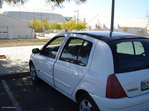 Renault Clio fase 2 Maio/00 - à venda - Ligeiros