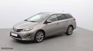 Toyota Auris TOURING S HYBRIDE Novembro/13 - à venda -