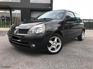 Renault Clio dci Outubro/03 - à venda - Ligeiros