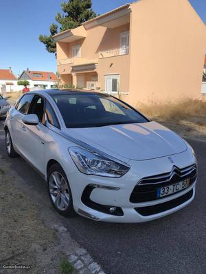 Citroën DS5 Sport chic hybride Junho/13 - à venda -