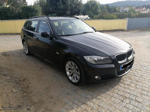 BMW 318 D Touring Lifestyle Dezembro/10 - à venda -