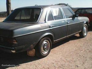 Mercedes-Benz E 300 LIG. PASSAG. Agosto/80 - à venda -