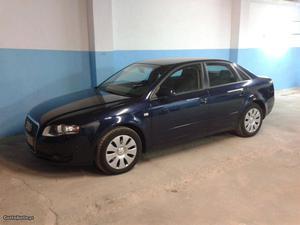 Audi A4 2.0 TDI 140 cv Junho/06 - à venda - Ligeiros