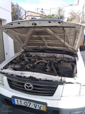 Mazda B pick up 4x4 Dezembro/03 - à venda - Pick-up/