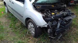 Mercedes-Benz acidentado 109 CDI Maio/13 - à venda -