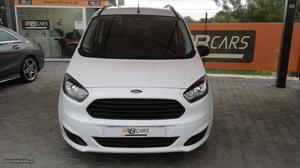 Ford Tourneo courier Junho/15 - à venda - Ligeiros