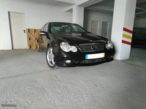 Mercedes-Benz C 220 SportCoupe Evolution Junho/02 - à venda