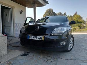 Renault Mégane III Sport Tourer Junho/13 - à venda -