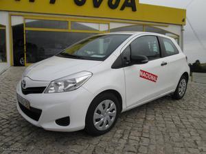 Toyota Yaris VAN 1.4 D-4D Outubro/12 - à venda - Comerciais