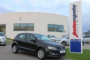 Volkswagen Polo 1.0 Confortline Bluemotion ( kms)