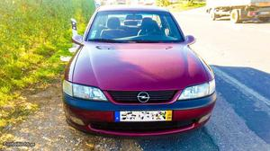Opel Vectra CD v Dezembro/97 - à venda - Ligeiros