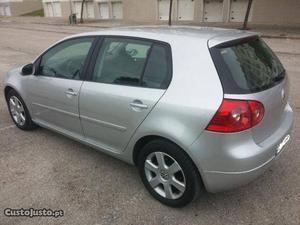 VW Golf 19-tdi-confortline Maio/05 - à venda - Ligeiros