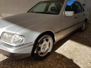 Mercedes-Benz C 250 Elegance Junho/95 - à venda - Ligeiros